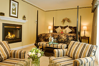Luxury Lodging in Stowe VT – The Sugar Maple Room