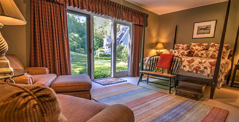 Romantic Sugar Maple Room at Stone Hill Inn